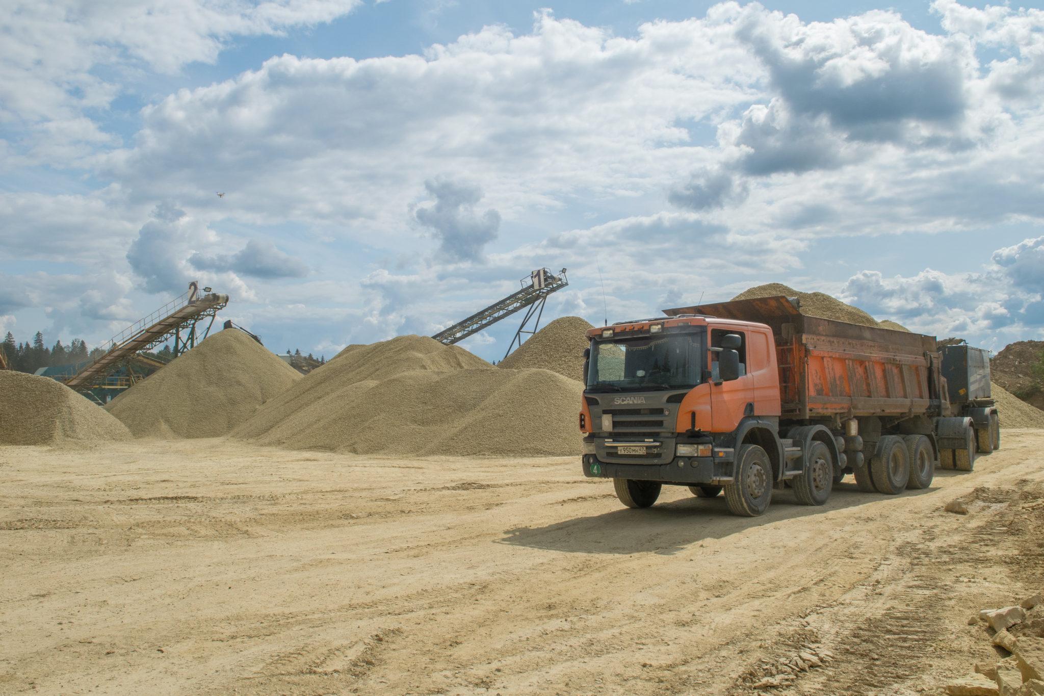 Поставка карьерного песка с доставкой 5000 м3